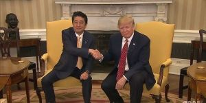 trump-shakes-hands-like-the-penguin